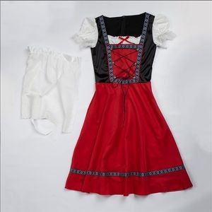 German Beer Maiden Dress With Apron NWT